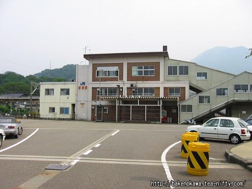 青海駅橋上駅舎