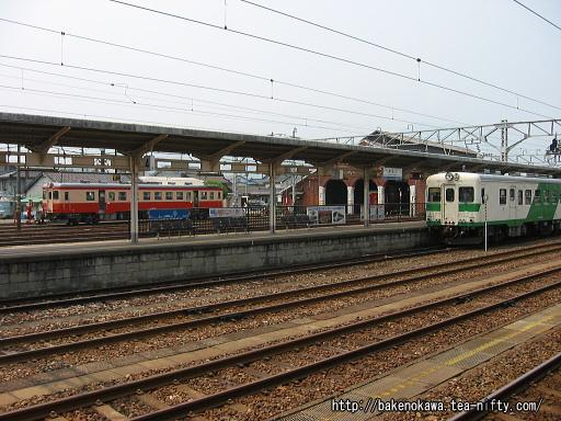 糸魚川駅構内のキハ52 115とキハ52 125
