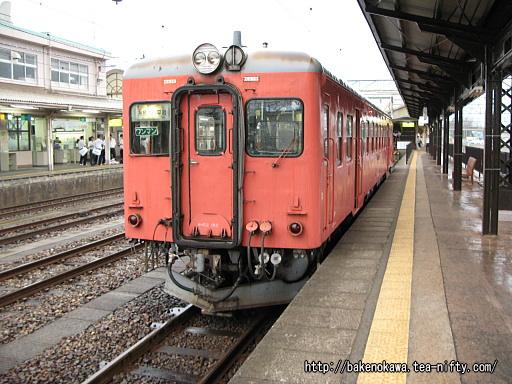 糸魚川駅で待機中のキハ52 156その2
