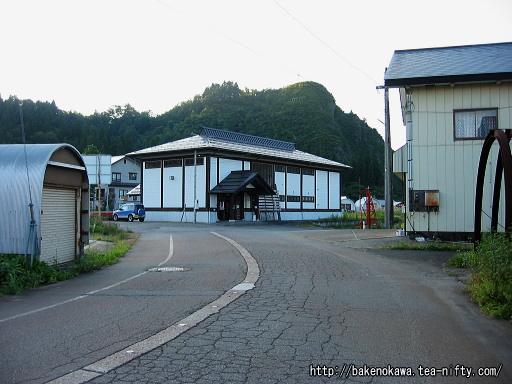 入広瀬駅駅舎