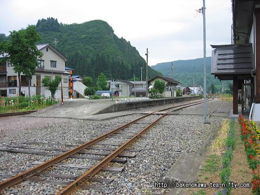 入広瀬駅の旧島式ホームその1