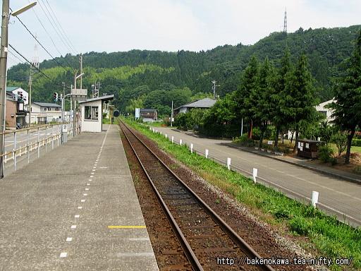姫川駅のホームその1