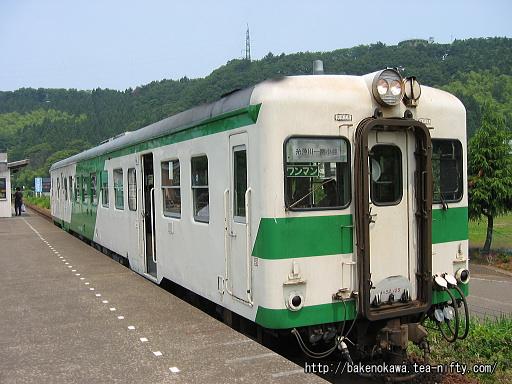 姫川駅を出発するキハ52形その1