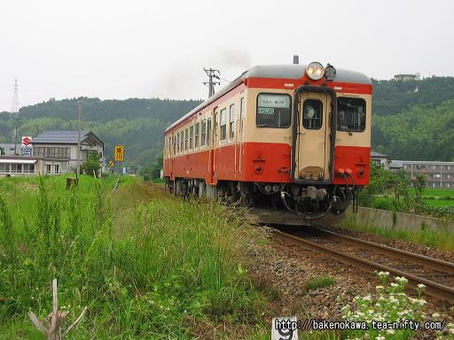 姫川駅付近を走るキハ52形その1