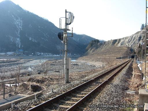 駅北側のトンネルその2