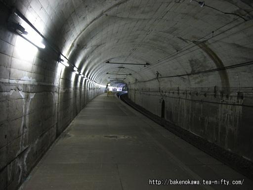 湯檜曽駅下りホームその2