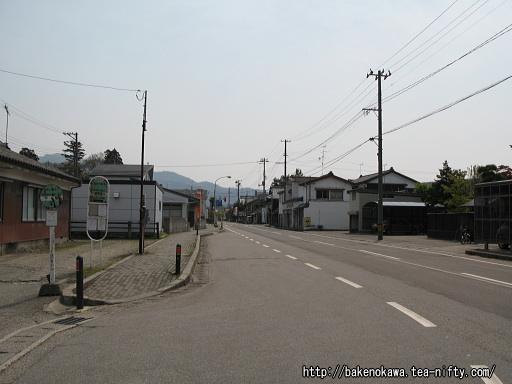 新潟交通観光バスの下関営業所側その一