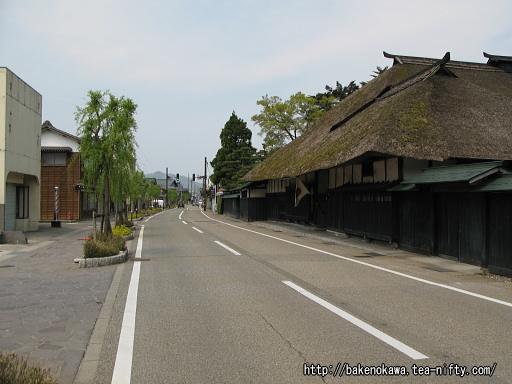 関川村の中心街