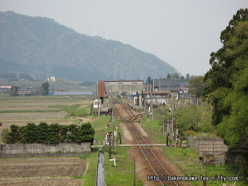 陸橋から見た越後下関駅全景