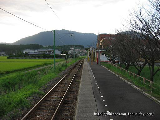 矢作駅のホームその2