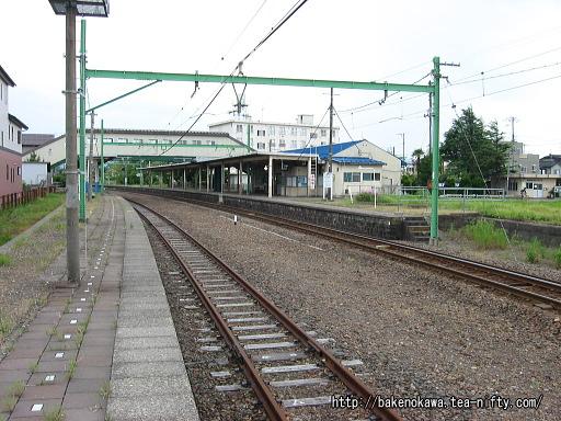 東柏崎駅の旧2番ホームその1