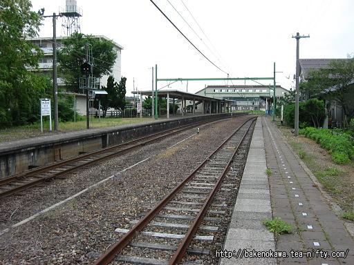 東柏崎駅の旧2番ホームその2