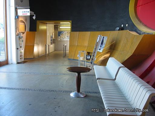 くびき駅駅舎内部その2
