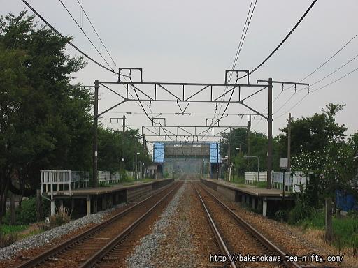 踏切から見た田上駅構内