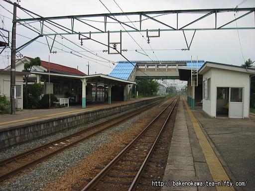 羽生田駅の島式ホームその5