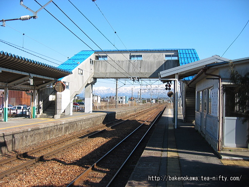 佐々木駅の島式ホームその一