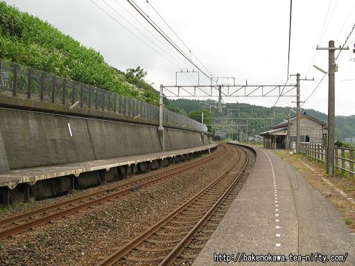 有間川駅の1番ホームその2