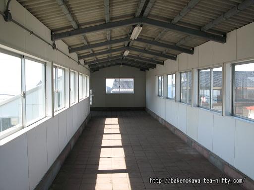 谷浜駅の跨線橋その1
