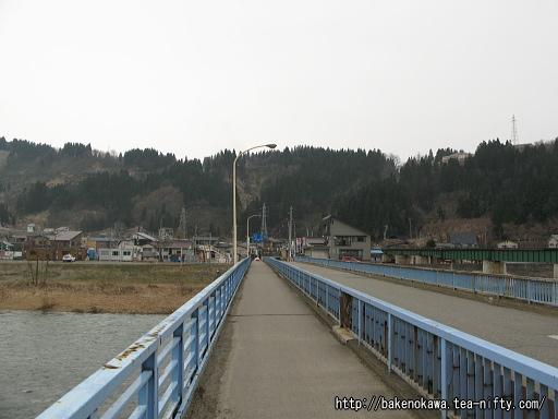 魚野川に架かる川口橋その1