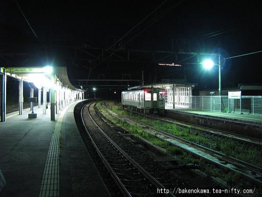 越後川口駅で折り返し待機中のキハ110系気動車その1
