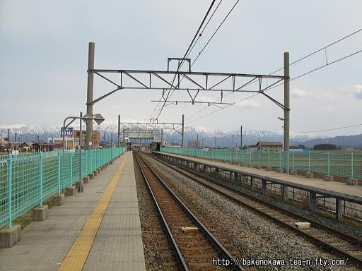 西新発田駅の1番ホームその二