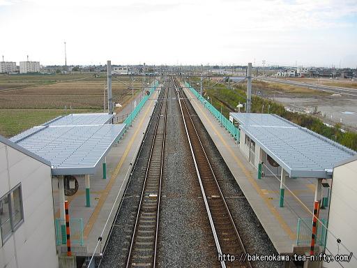 駅周辺開発以前の西新発田駅構内