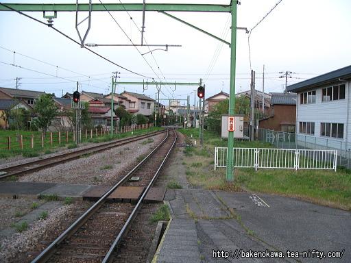 燕駅の1番ホームその2
