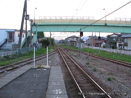 燕駅の1番ホームその4