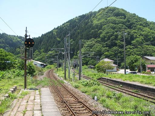 勝木駅の1番ホームその三