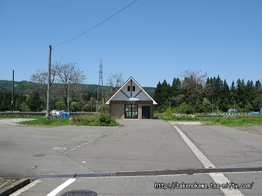 土市駅駅舎