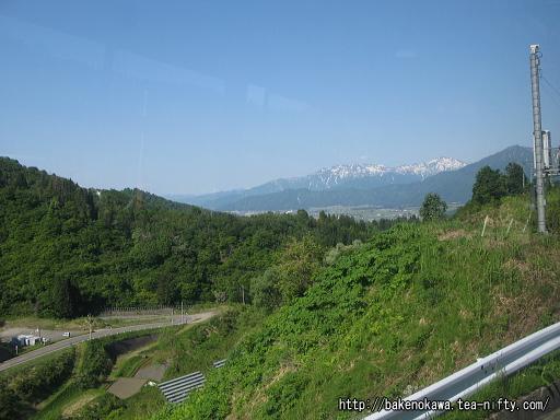 バスの車内から見た清津峡