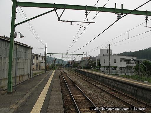 出雲崎駅の1番ホームその5