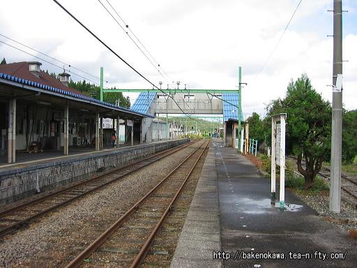 出雲崎駅の2番ホームその1