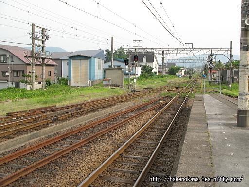 新井駅の1番ホームその2