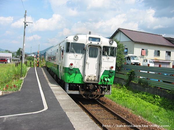 薮神駅を出発するキハ40系気動車その1