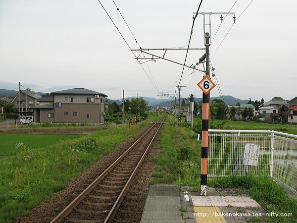 北新井駅のホームその2