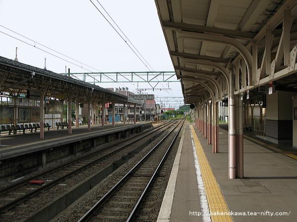 高田駅の1番ホームその3
