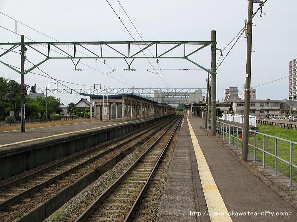 高田駅の1番ホームその4