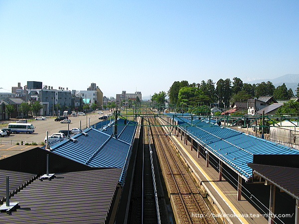 高田駅の新跨線橋上から長野方を望む