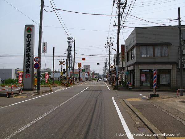 南高田駅至近の道路の様子