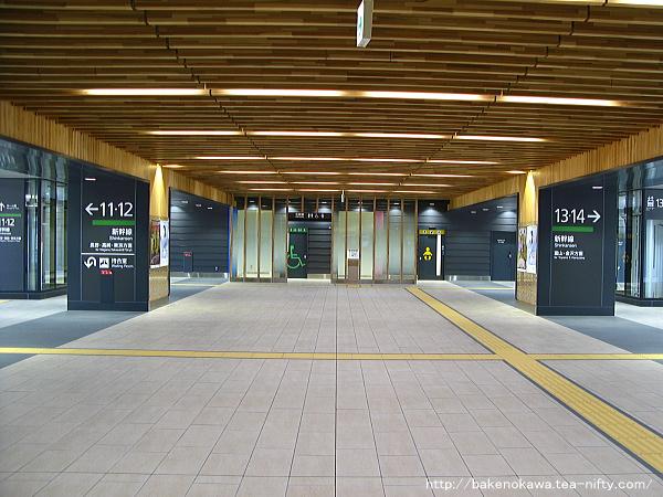 上越妙高駅の新幹線改札口その3
