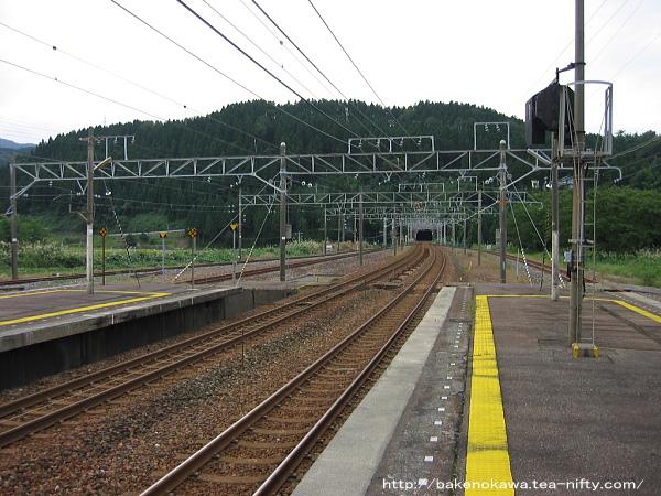 能生駅の1-2番島式ホームその3