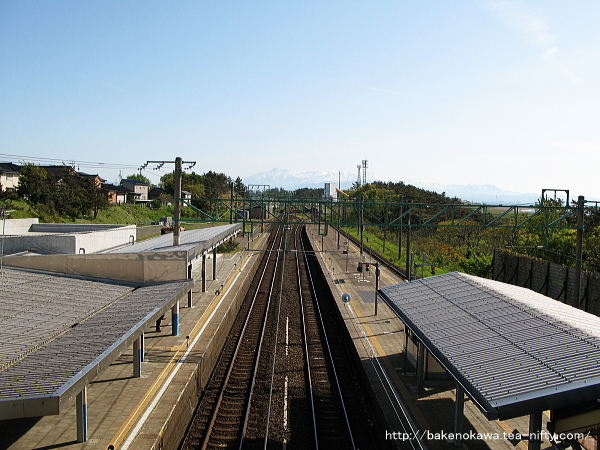 跨線橋上から直江津方面を望む