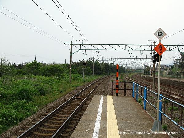 柿崎駅の島式ホームその3