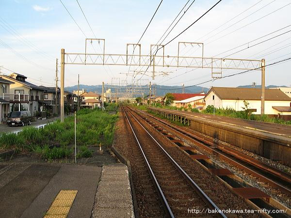 来迎寺駅の2番ホームその2