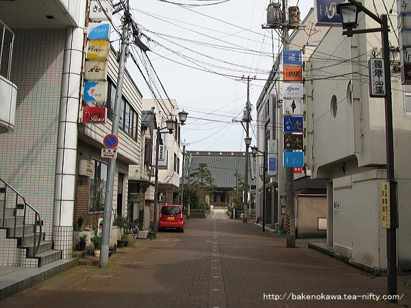 あるお寺の参道入り口