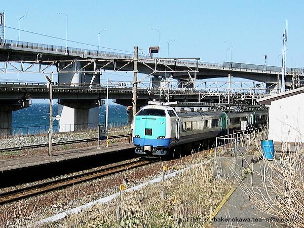 親不知駅を通過する485系電車特急「北越」その3