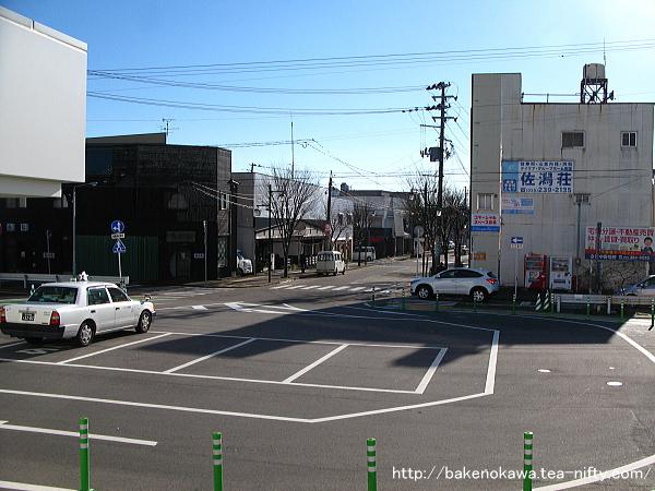 内野駅前ロータリーの様子