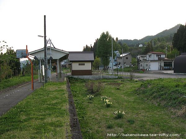 越後鹿渡駅の交換設備や側線の撤去跡の様子