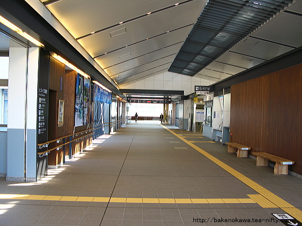 糸魚川橋上駅舎の自由通路